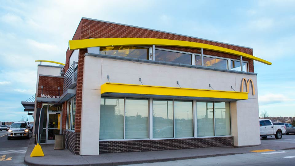 Image of McDonald's restaurant building